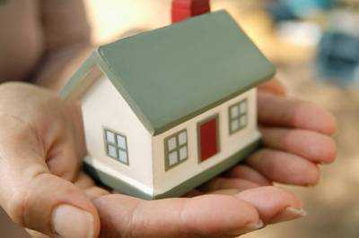 Credit-based Interest Rate: Benefits for the Loan Customer? None!